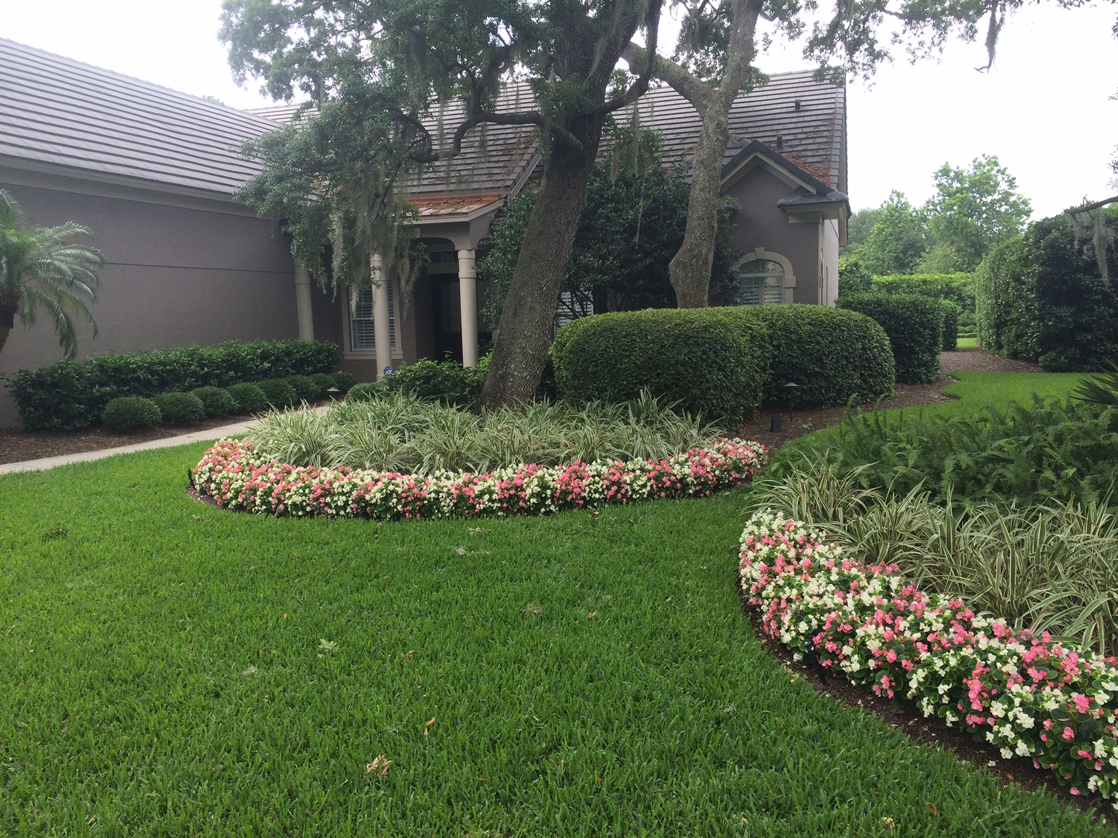 Rolling green landscape orlando 39 s landscape design and for Green landscape design